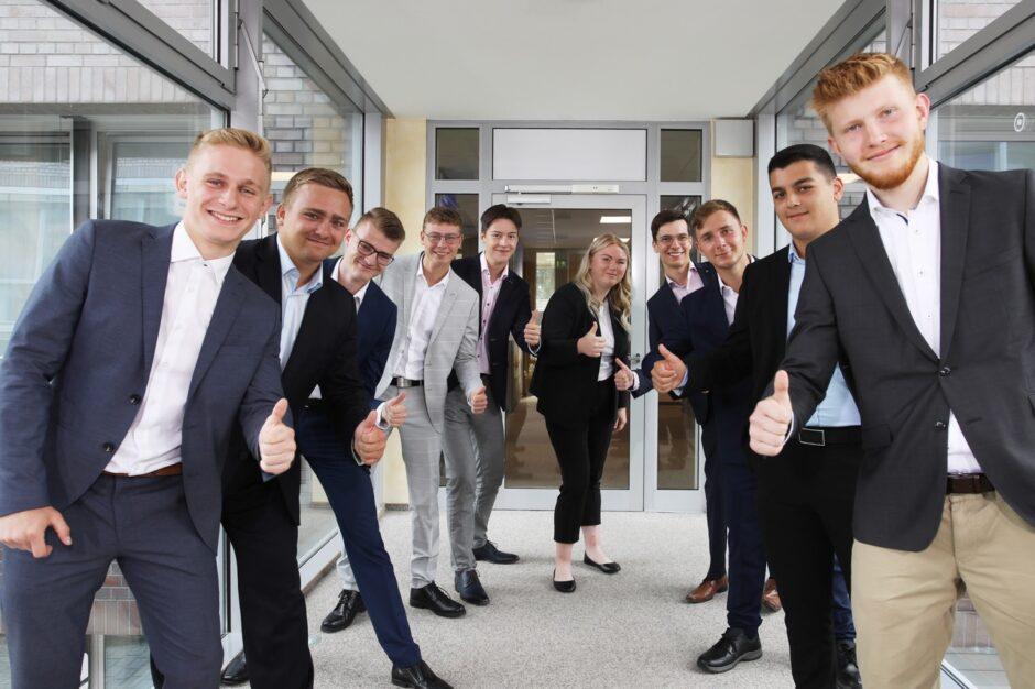 Sparkasse Vorpommern begrüßt 11 neue Azubis